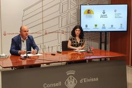 """Castro afirma en Ibiza que el decreto """"comienza a tener efecto"""" al cancelarse en Bunyola una fiesta para 600 personas"""