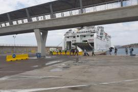 Los dos inmigrantes llegados en patera a Formentera vuelven a dar positivo en COVID-19