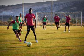 Santa Eulària se vuelca con la Peña Deportiva