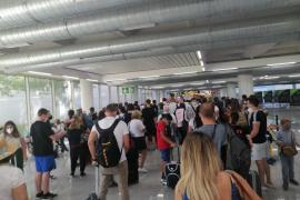 El Govern tenía previsto pedir cuarentena obligatoria para los pasajeros que lleguen de zonas de alto riesgo