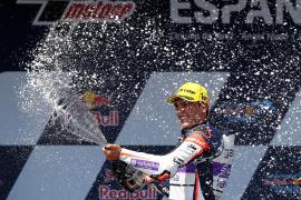Albert Arenas gana y hace un 'dos de dos' en Moto3
