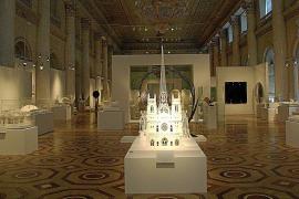Calatrava y su búsqueda del movimiento se instalan en el «colosal» Hermitage de Rusia