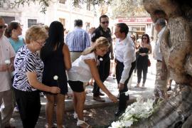Un centenar de personas homenajea en Palma a Diego Salvà, Carlos Sáenz de Tejada y Toni Planas