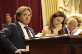 Campos (Vox) se defiende y dice que no elogió el alzamiento nacional
