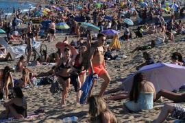 Barcelona reducirá el aforo de las playas en un 15 %, unos 8.000 usuarios menos
