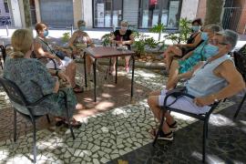 El Gobierno andaluz dispensa mascarillas gratuitas a los mayores de 80 años