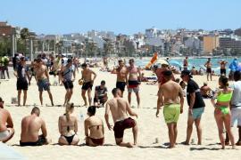 Llucmajor critica que la Policía no aparece «ni por casualidad» en la Playa de Palma