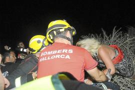 Laborioso rescate nocturno de una mujer que cayó en un precipicio en Sant Elm