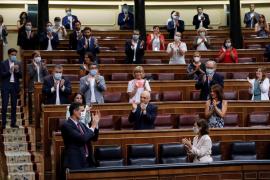 Prohens (PP) señala el «bochorno» en el Congreso con los aplausos a Sánchez