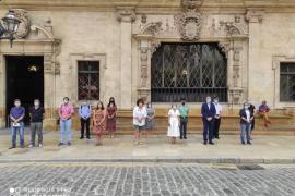 Baleares guarda un minuto de silencio por la mujer asesinada por su marido en Son Cotoner