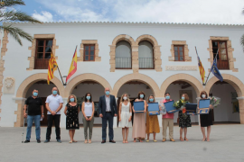 Santa Eulària rinde homenaje a cinco profesores jubilados este curso