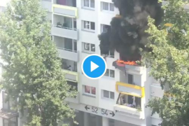 El heroico rescate de dos niños atrapados entre las llamas