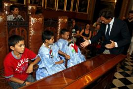 Cort recibe a los niños saharuis del programa 'Vacances en Pau'