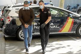 'Charly' dice que huyó a Colombia porque un hombre le amenazó con una pistola