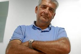 Miquel Àngel Vidal: «Las novelas ganan por puntos, pero los relatos por K.O.»