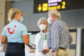 TUI y Jet2 mantendrán sus vuelos a Baleares pese a la nueva cuarentena británica
