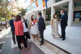 La reunión entre Reyes Maroto, Francina Armengol y Vicent Marí en el Consell, en imágenes. (Fotos: Daniel Espinosa)