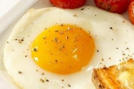Errores que debes evitar cuando cocinas un huevo frito