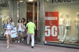 Los pequeños comerciantes venden en las rebajas de julio un 43% menos que el año pasado