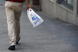 El Constitucional avala la ley que prohíbe la bolsa de plástico desechable