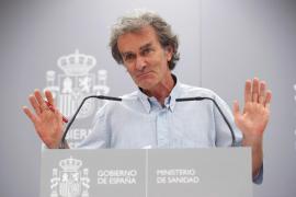 Simón reitera los riesgos del turismo, pero pide disculpas si el sector se ha sentido ofendido