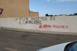 Investigan a los autores de las pintadas contra los hoteleros en Santanyí