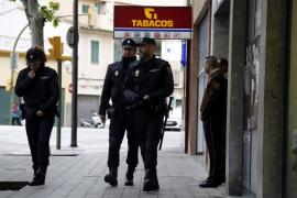 Roba la recaudación de un estanco en Palma tras agredir a una empleada