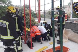 Herido un obrero al caer de unos 2 metros en Santa Maria