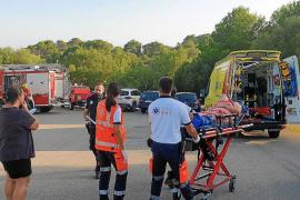 Herida grave una joven de 14 años tras caer de una zona rocosa en la playa de Cala Murta