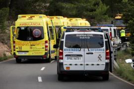 Muere al volante de un Porsche tras empotrarse contra un árbol en Ibiza