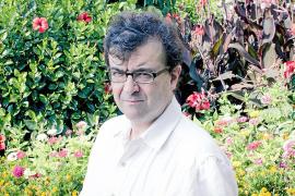 Javier Cercas, escritor: «El verdadero dilema no es monarquía o república, sino mejor o peor democracia»