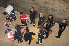 Hospitalizada una joven tras caer a un foso desde seis metros en Torre d'en Pau