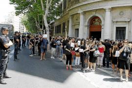 Los funcionarios vuelven a tomar la calle para protestar contra los recortes