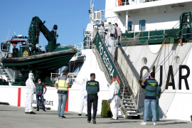 Un positivo entre los 7 inmigrantes de la patera localizada en Formentera
