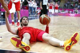 España pierde y quizá tenga que jugar las semifinales con EEUU