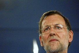 El Gobierno impide la convocatoria de oposiciones a funcionario hasta 2014