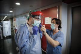Los sanitarios contagiados de COVID-19 se triplican en Baleares en una semana