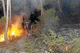 Varios vecinos y la policía consiguen sofocar un conato de incendio en Palma