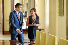 Armengol pedirá a Sánchez reforzar los controles en puertos y aeropuertos