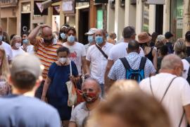 Salut, ante la escalada de contagios en Baleares: «Hay que llamarse más y verse menos»