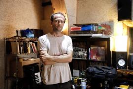 Miquel Serra: «Si hablo del pasado es porque continúa vigente en mí»