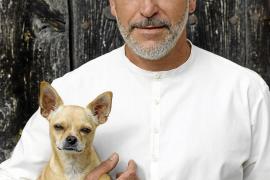 Sebastián Pons, diseñador: «La moda tiene que ser emoción»