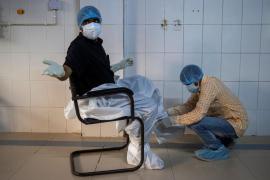 México y Argentina anuncian que fabricarán para América Latina una vacuna británica contra la COVID-19