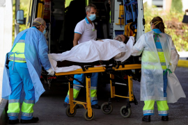 Nueve sociedades médicas alertan de la alta probabilidad de un nuevo colapso sanitario