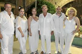 Fiesta de blanco de la Casa de Andalucía