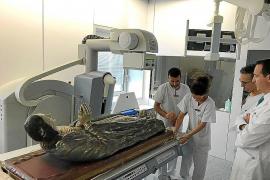 La Virgen Yacente de Sant Nicolau vuelve al templo tras cinco meses de restauración