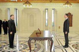 El régimen de Assad, contra las cuerdas tras la huida del primer ministro