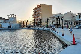 Vecinos del Molinar se oponen a un concurso para la gestión del Port Petit