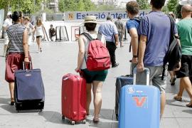 El 40% de los turistas que llegan a Son Sant Joan se hospedan en alojamientos no legalizados