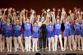 El público llenó el Teatre Principal en la gala solidaria a favor de la Fundació s'Olivar